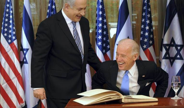 جو بايدن ونتنياهو خلال لقاء بينهما في القدس المحتلة عام 2010.