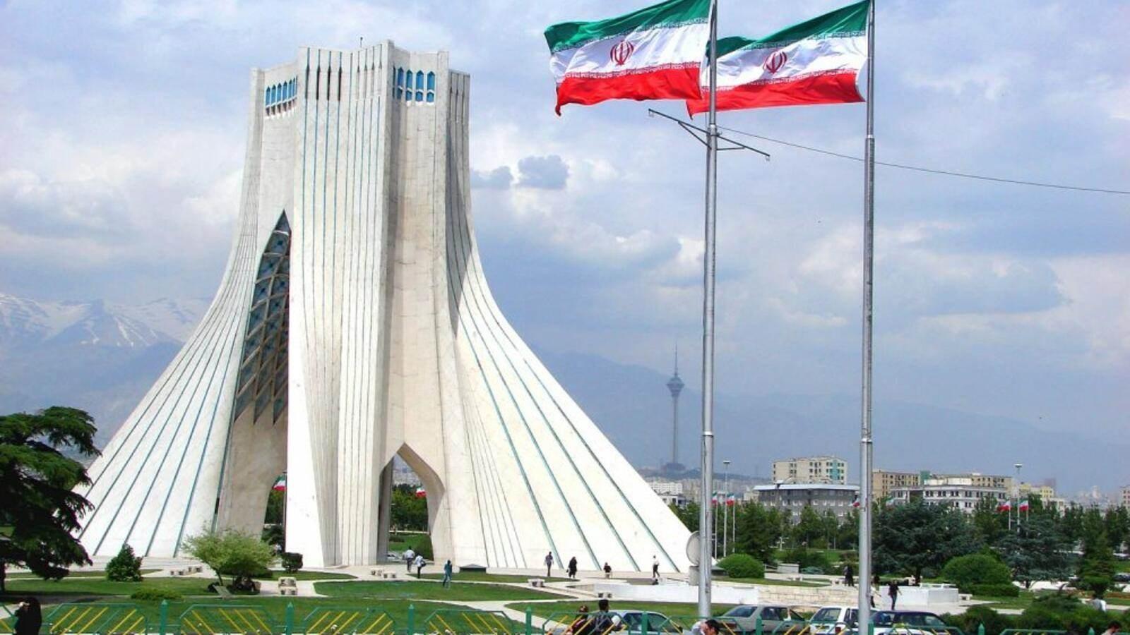 طهران: على الولايات المتحدة أن ترفع العقوبات المفروضة على لبنان