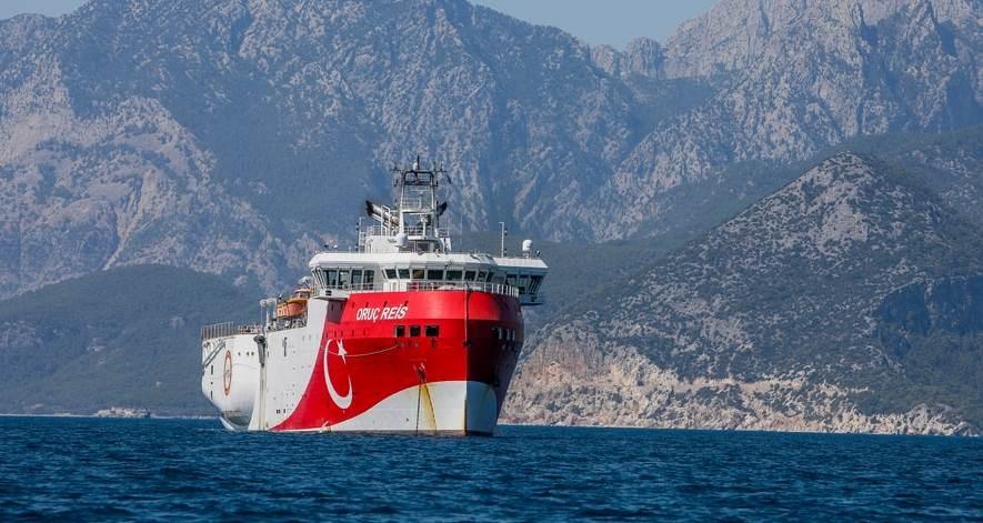 اليونان تتهم تركيا بزعزعة الاستقرار والتصعيد الخطير في شرق المتوسط