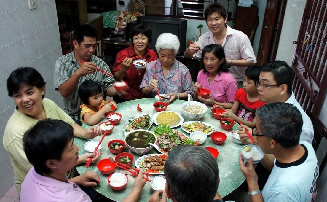 عدد أنواع الأطباق سيصبح ناقصاً واحداً عن عدد الموجودين إلى المائدة في الصين