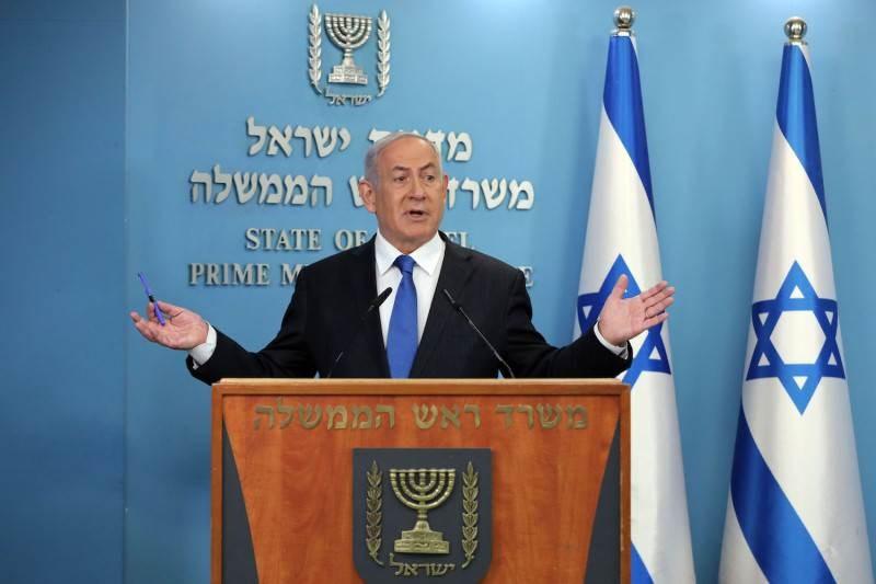 تنياهو يعقد مؤتمراً صحفياً حول تطبيع العلاقات مع الإمارات في القدس.
