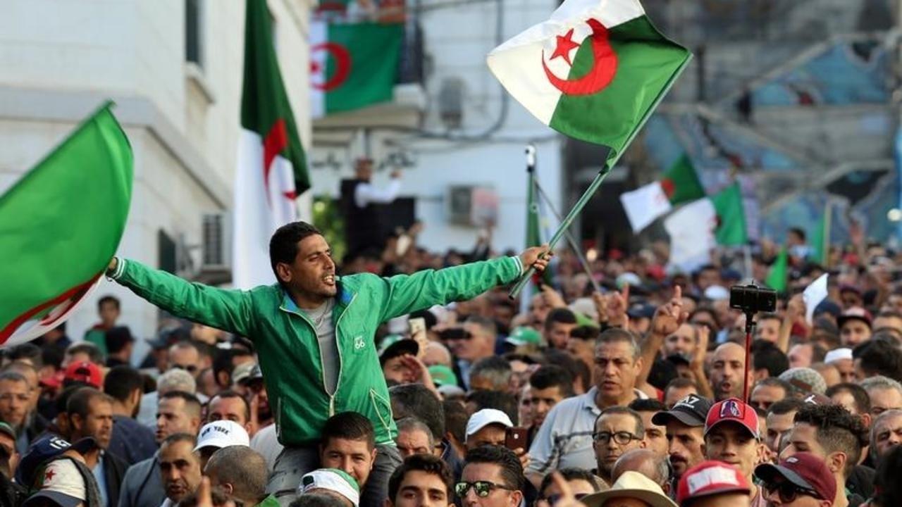 أحزاب جزائرية: