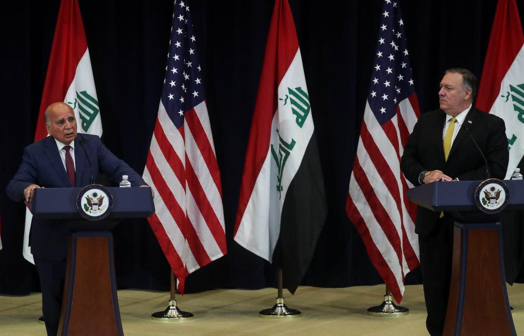 وزير الخارجية الأميركي مايك بومبيو مع نظيره العراقي فؤاد حسين في مؤتمر صحافي في واشنطن (رويترز)