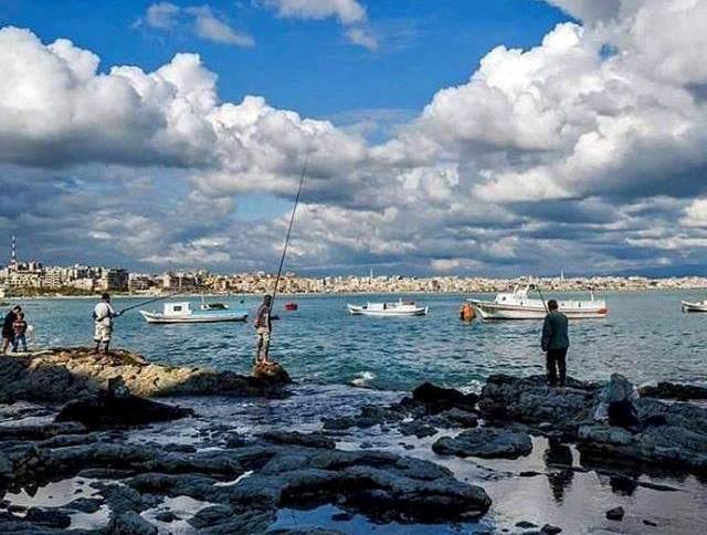 ذكريات وهجرة بين شاطىء اللاذقية وحلب