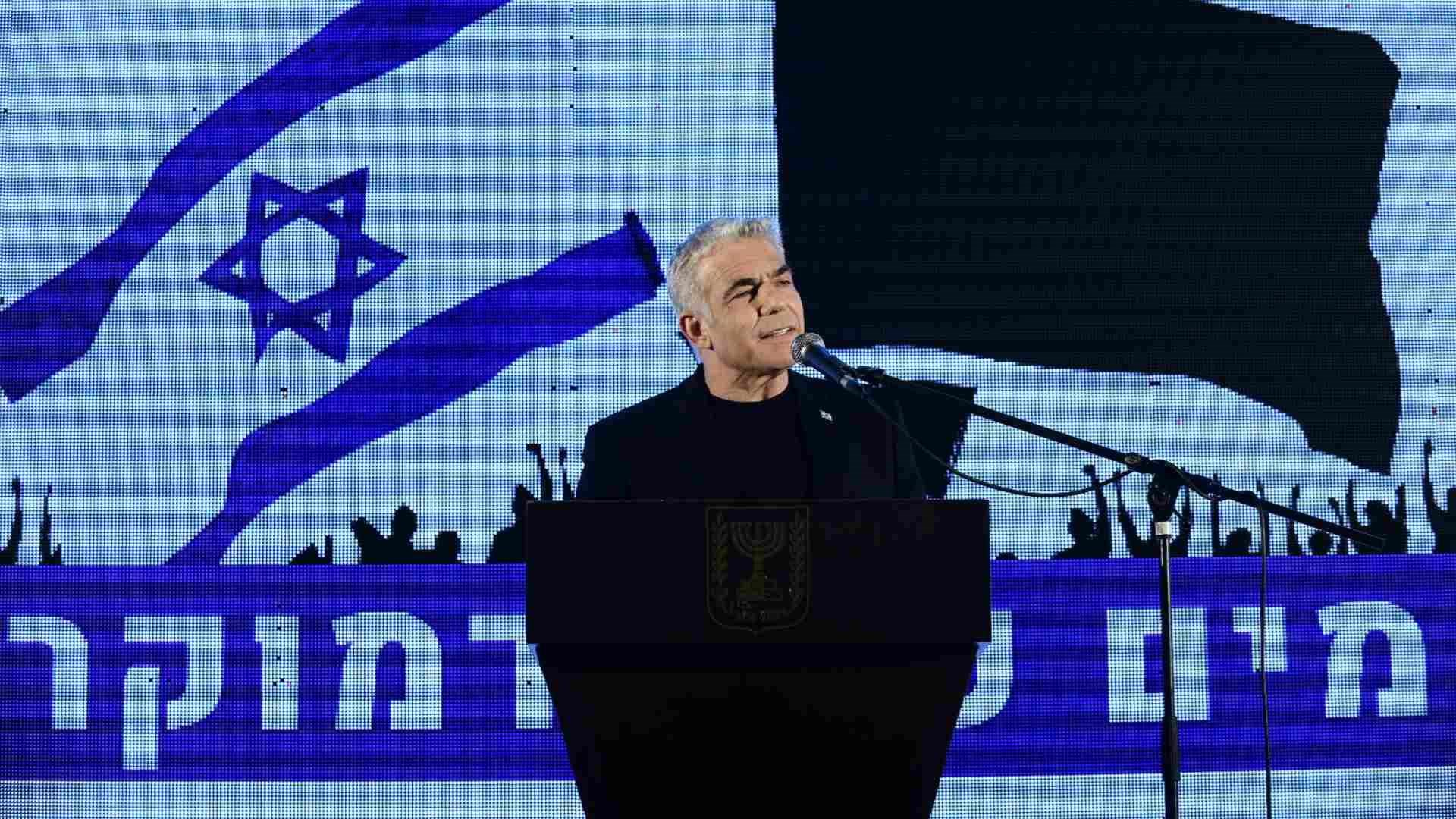رئيس المعارضة الإسرائيلية يائير لابيد: نتنياهو يعيش حالة هستيريا بسبب المظاهرات