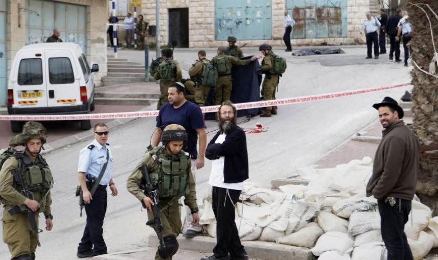 قام المستوطنون بمهاجمة أصحاب المنازل في حي أرميدة تحت حماية من جنود الاحتلال