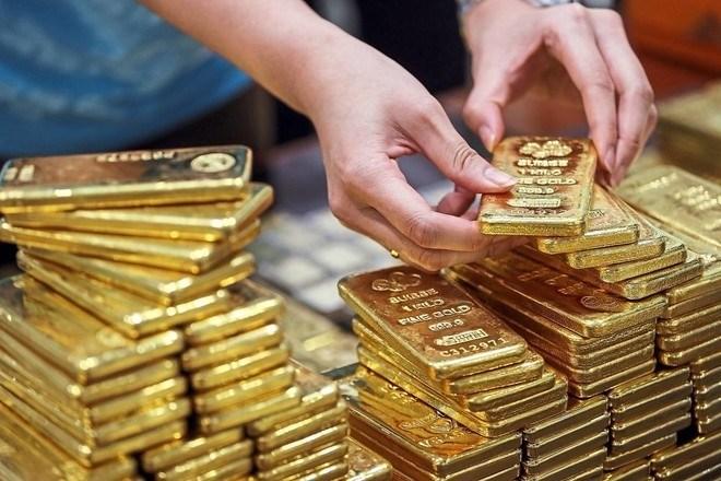 الذهب ينخفض وسط تفاؤل بشأن إتفاق التجارة بين الولايات المتحدة والصين