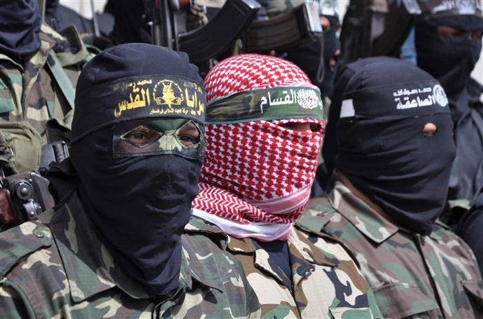 مصدر في المقاومة الفلسطينية للميادين: الساعات المقبلة ستشهد رسائل من المجموعات الشبابية في الميدان إلى الاحتلال الإسرائيلي