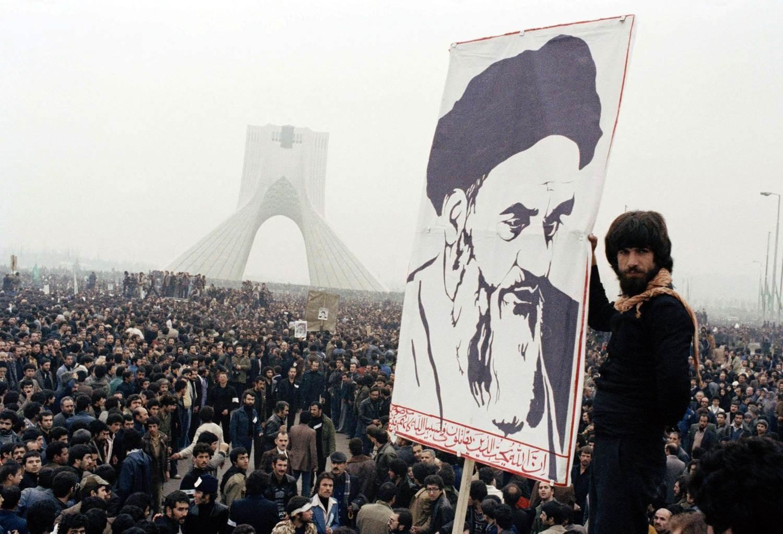 الثورة الإسلامية في إيران غيّرت موازين القوى الإقليمية لصالح دول الصمود والتصدي