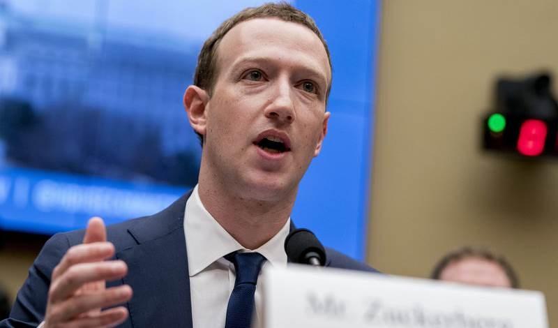 زوكربيرغ: فايسبوك لم يتحرك سريعاً لحذف صفحة تدعو لحمل السلاح في كينوشا