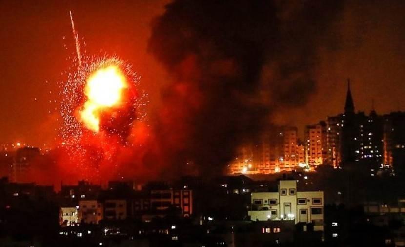 طائرات الاحتلال الإسرائيلي قصفت عدة أهداف في وسط وجنوب قطاع غزة