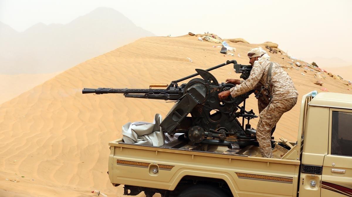 من المقاتلين التابعين للتحالف السعودي مدينة مأرب اليمنيّة (أ.ف.ب)