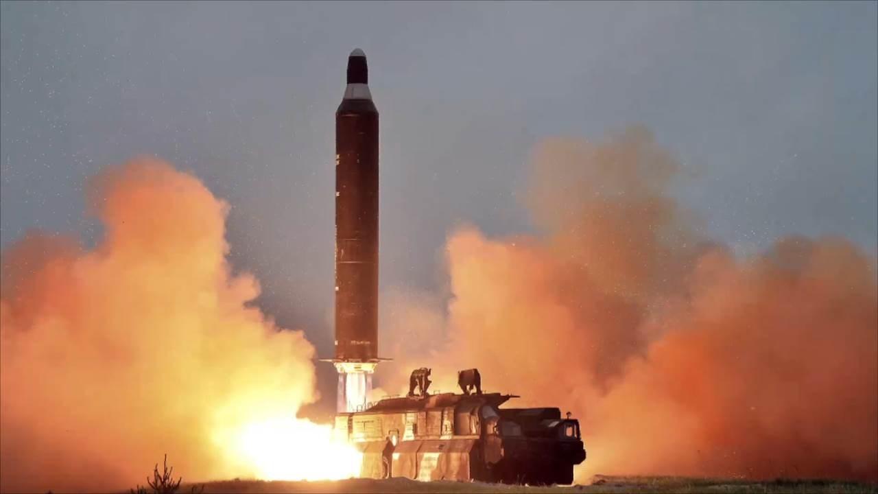 بيونغ يانغ طورت أجهزة نووية مصغرة لتركيبها على الرؤوس الحربية لصواريخها الباليستية