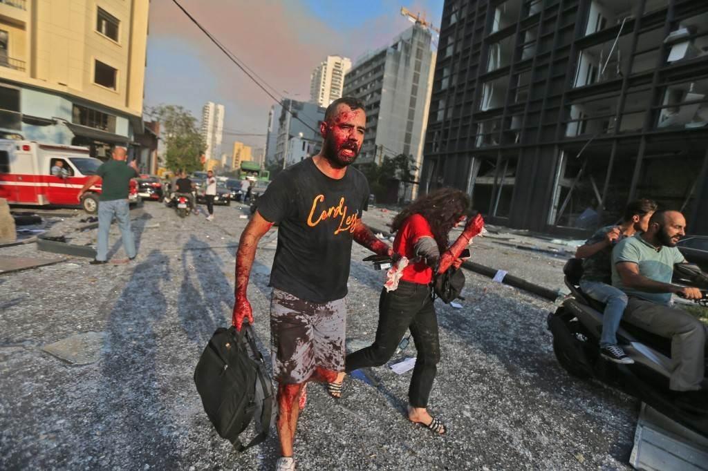 منذ اللحظات الأولى لانفجار مرفأ بيروت، حاولت بعض المؤسسات تسويق روايتها والتصويب على حزب الله