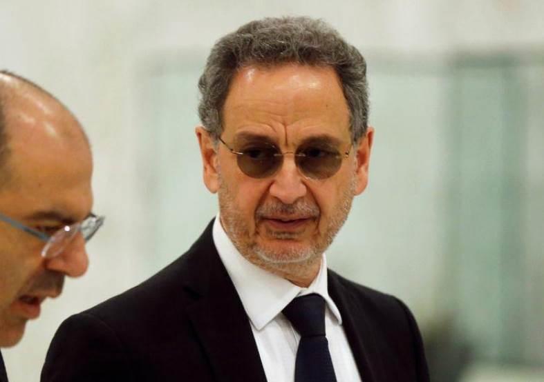وزير الاقتصاد اللبناني راؤول نعمة في بعبدا يوم 22 كانون الثاني/يناير 2020 (رويترز).