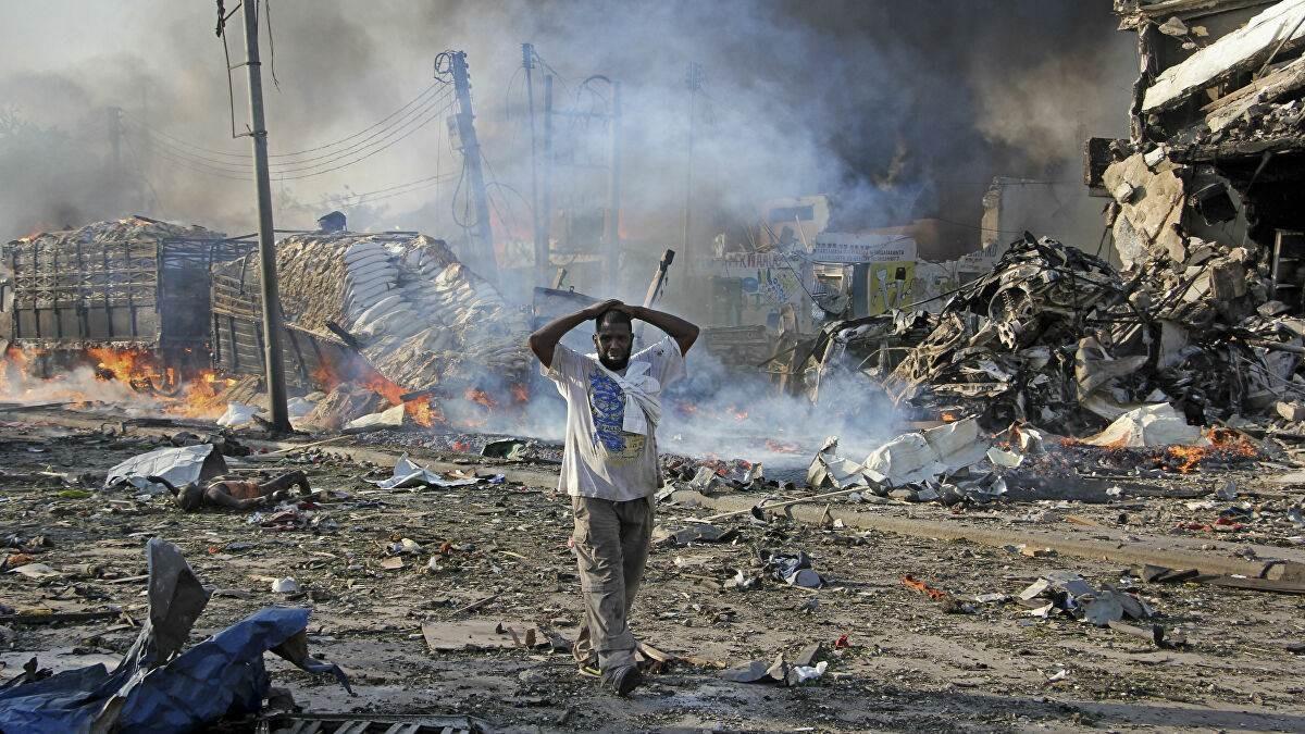قتلى وجرحى في انفجار قوي استهدف قاعدة عسكرية بالعاصمة الصومالية