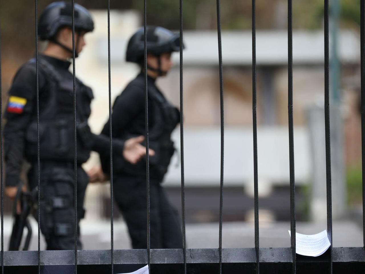 القضاء الفنزويلي يحكم بالسجن 20 عاماً على جنديين أمريكيين