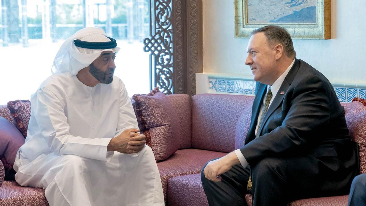 ولي العهد الإماراتي محمد بن زايد ووزير الخارجية الأميركي مايك بومبيو