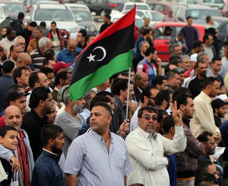 احتجاجت ضد انقطاع الكهرباء والظروف المعيشية في بنغازي