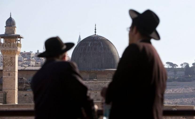 بات معروفاً لأصغر طفل في القدس المحتلة مدى انصياع إدارة الأواقف الإسلامية لأوامر شرطة الاحتلال
