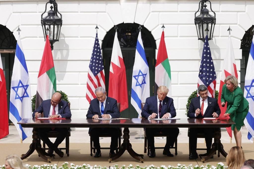 خلال توقيع الإمارات والبحرين  على اتفاق