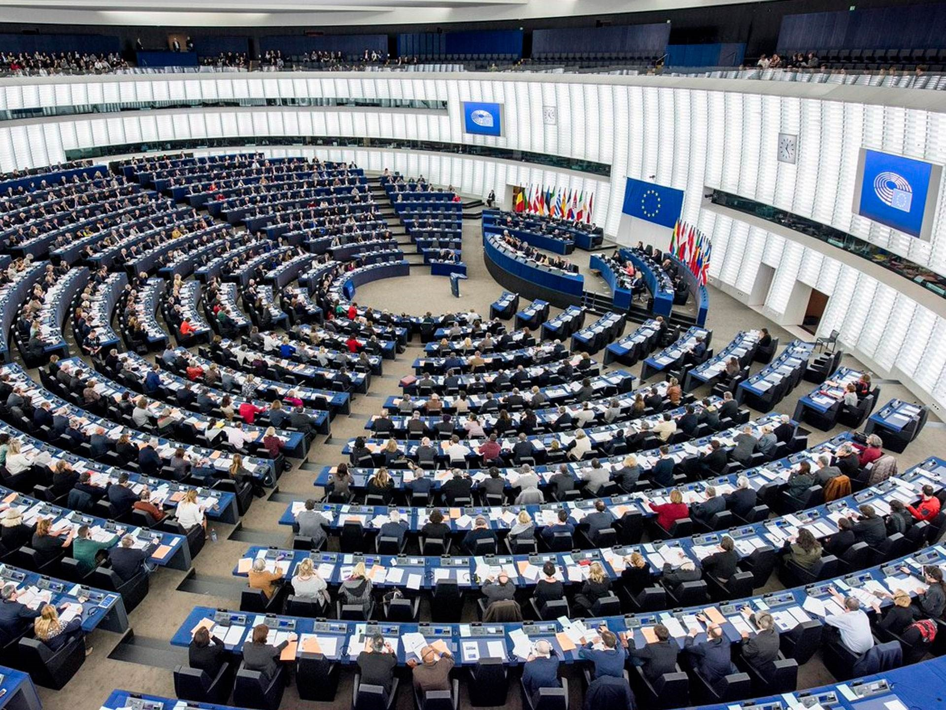 دعا البرلمان الأوروبي إلى حظر تزويد الدول التي وصفها بالقمعية بمعدات وتكنولوجيا المراقبة