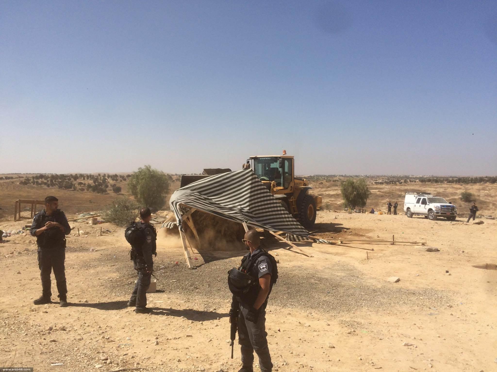قوات الاحتلال الإسرائيلي تهدم الخيم الفلسطينية في قرية العراقيب في النقب للمرة 178
