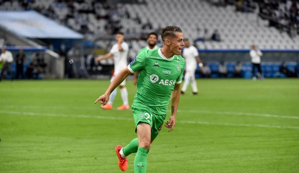 فاز سانت إتيان بنتيجة 2-0
