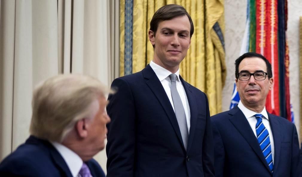 ترامب وكوشنر داخل البيت الأبيض (أ ف ب - أرشيف)