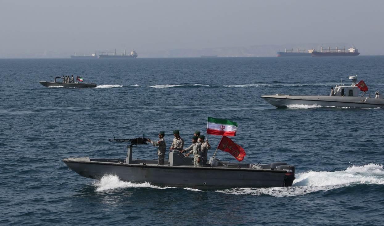 الحرس الثوري مهدداً دول الخليج: