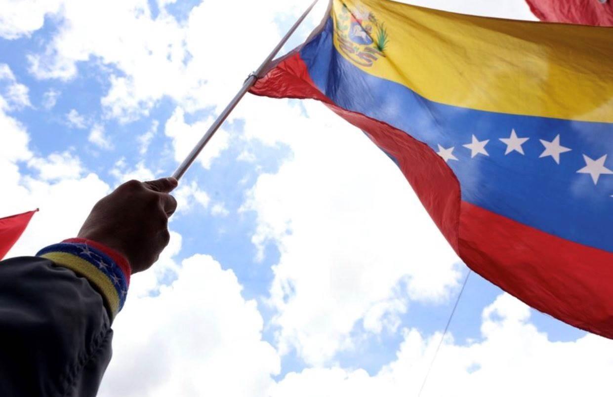 نشر أكثر من 7 آلاف جندي فنزويلي على الحدود مع كولومبيا