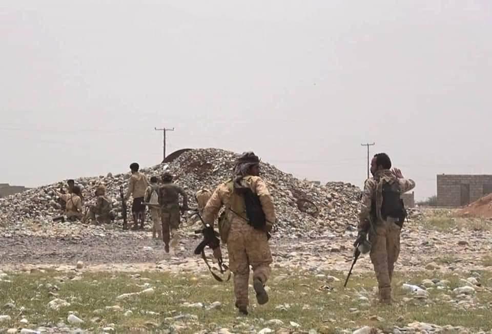 التحالف السعودي يكثف غاراته الجوية على مديريات مأرب لمنع تقدم قوات حكومة صنعاء
