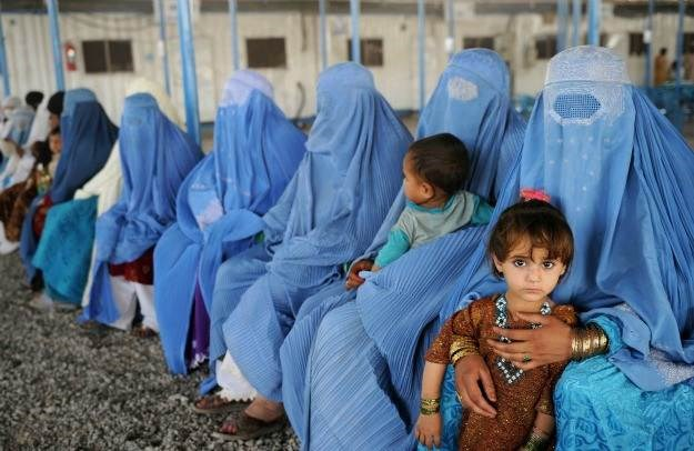 سيسهل القرار على النساء الحصول على التعليم والرعاية الصحية وجوازات السفر  لأطفالهن