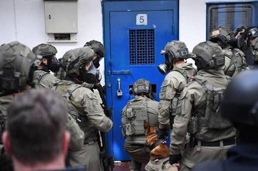 الأوضاع في سجن عوفر وصلت إلى مراحل كارثية