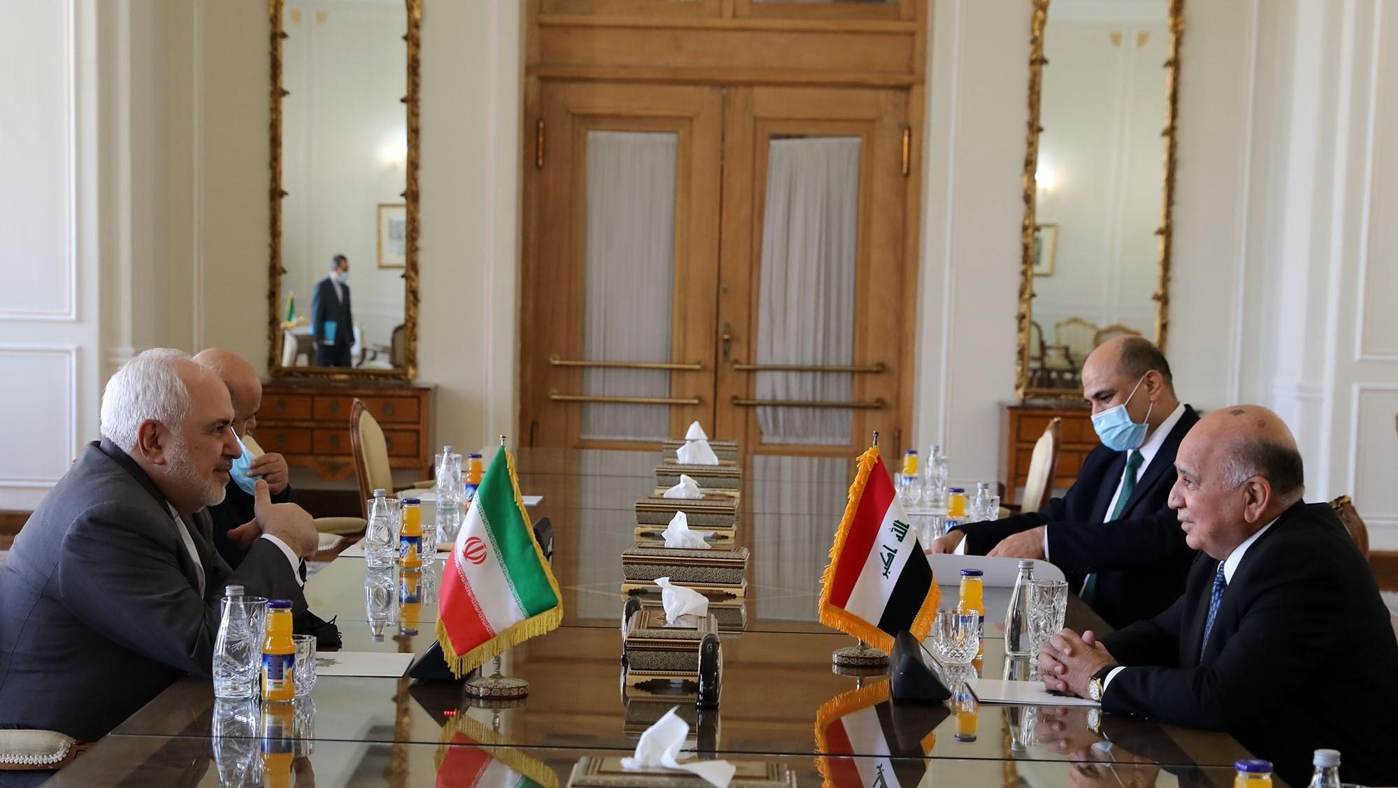 حسين يلتقي كبار المسؤولين الإيرانيين لبحث سبل توسيع العلاقات الثنائية