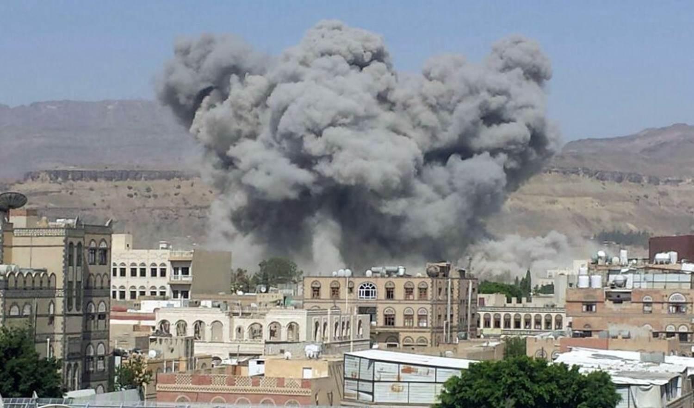 مصدر عسكري: مقتل وجرح عناصر من قوات هادي والتحالف عند الحدود اليمنية