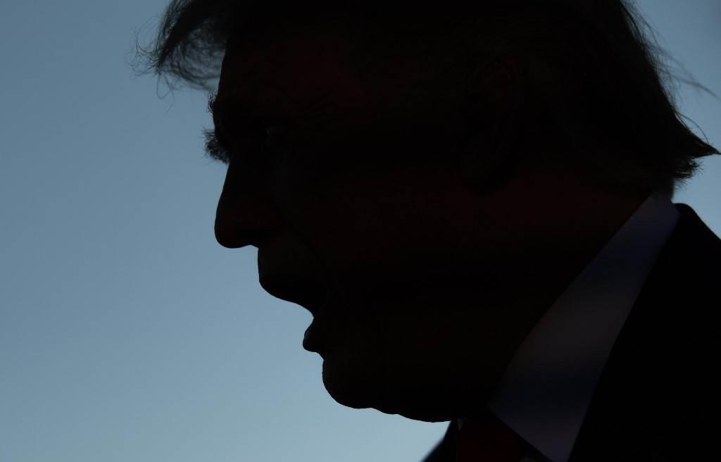 ترامب متحدثاً إلى الصحافة خلال سفره إلى أوهايو يوم 21 سبتمبر 2020 (أ.ف.ب)