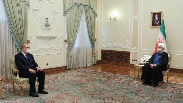 روحاني خلال لقائه سفير العراق الجديد في إيران اليوم (إيرنا)