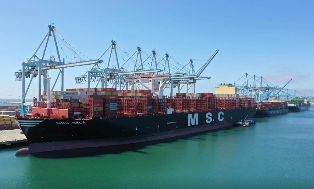ميناء لوس أنجلوس ، كاليفورنيا (رويترز)