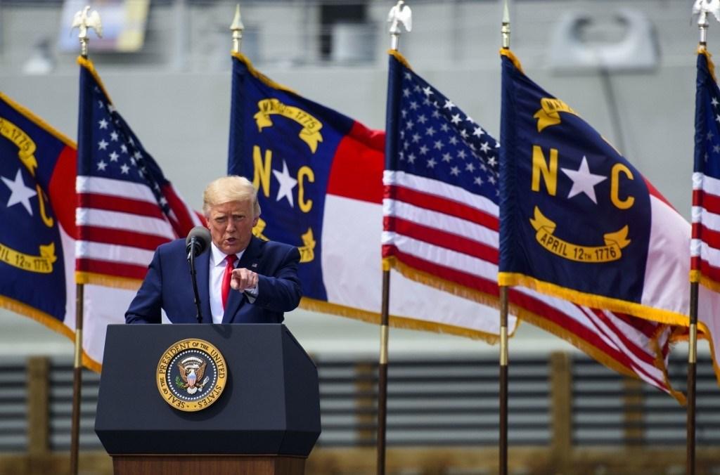 ترامب خلال كلمة له في ولاية نورث كارولاينا يوم 3 سبتمبر 2020 (أ.ف.ب)