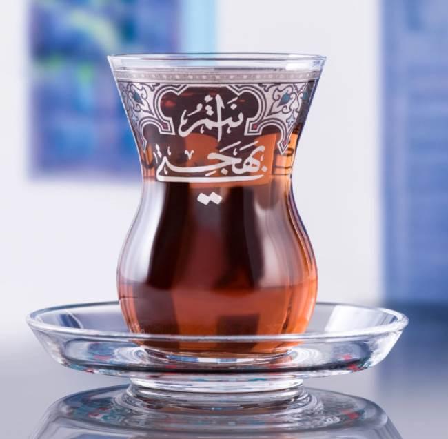 هل أنت من محبّي الشاي؟ هذه هي الكميّة الممكن شربها يومياً