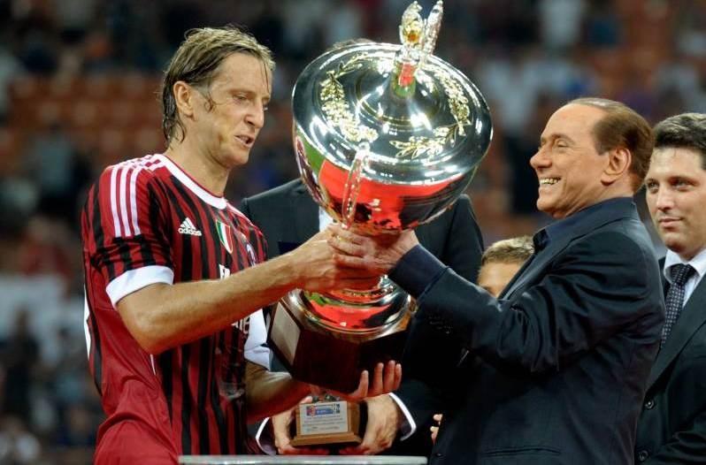 ترأس برلوسكوني نادي ميلان لمدة 30 عاماً