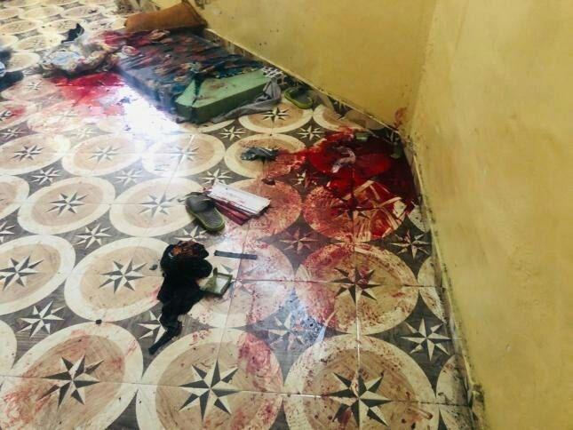 آثار الدماء من مكان اعتقال قوات الاحتلال الشقيقين محمد وعبد جدعون في مخيم جنين