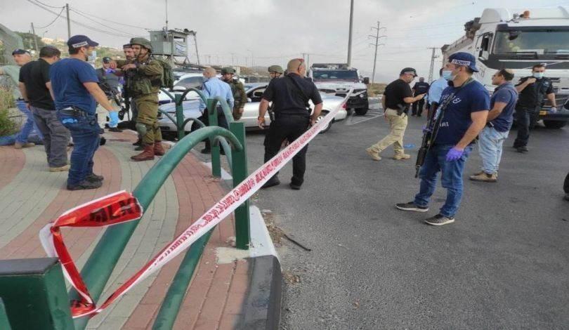 الاحتلال يطلق النار على فلسطيني بزعم محاولته تنفيذ عملية طعن (وسائل التواصل الاجتماعي)