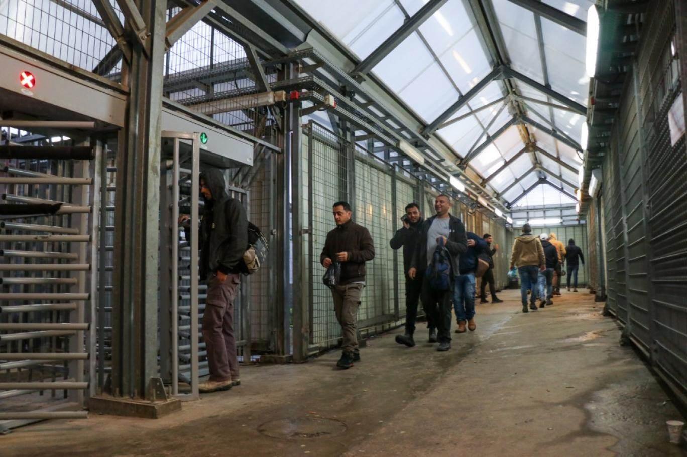 إدارة سجن مجدو تسلب الأسرى أبسط حقوقهم الأساسية