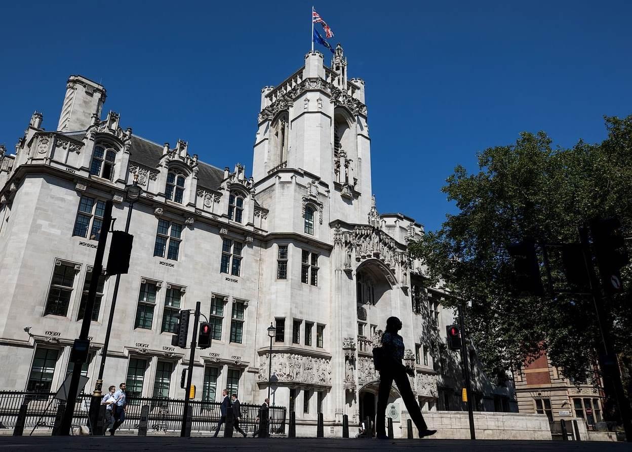 المحكمة البريطانية تسمح بمقاضاة المصارف اللبنانية التي تقيّد أموال المودعين