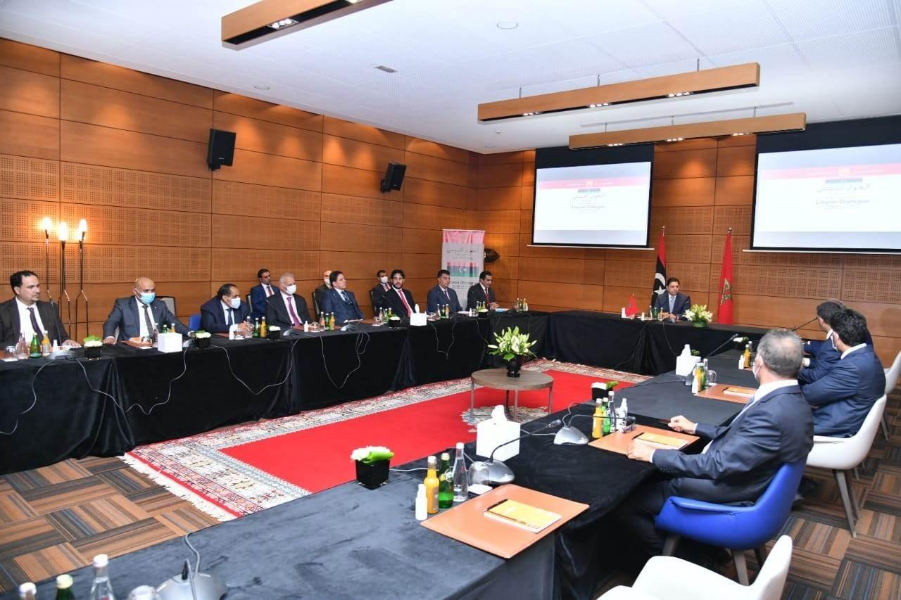 حكومة الوفاق وبرلمان طبرق يتفقان على ضرورة إنهاء الانقسام المؤسساتي والفساد