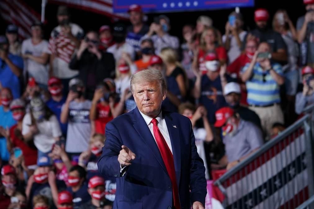 ترامب يدعو الأميركيين لمراقبة مجرى الانتخابات: سنشهد سرقة وغشاً