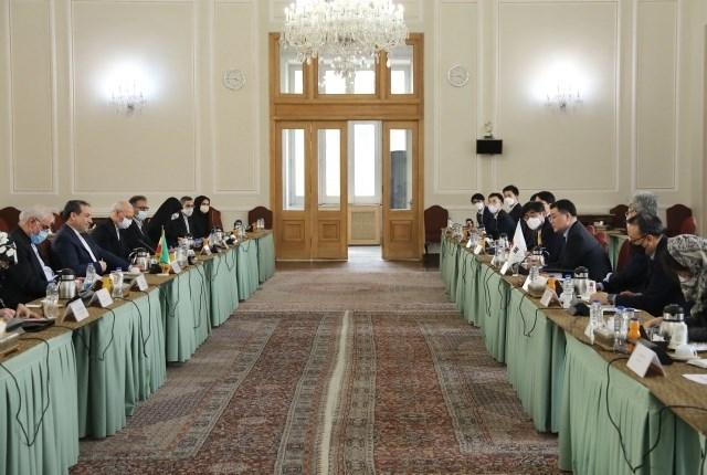 عراقتشي يدعو لحسم قضية  ناقلة النفط الكورية الجنوبية عبر الوسائل القانونية وبهدوء