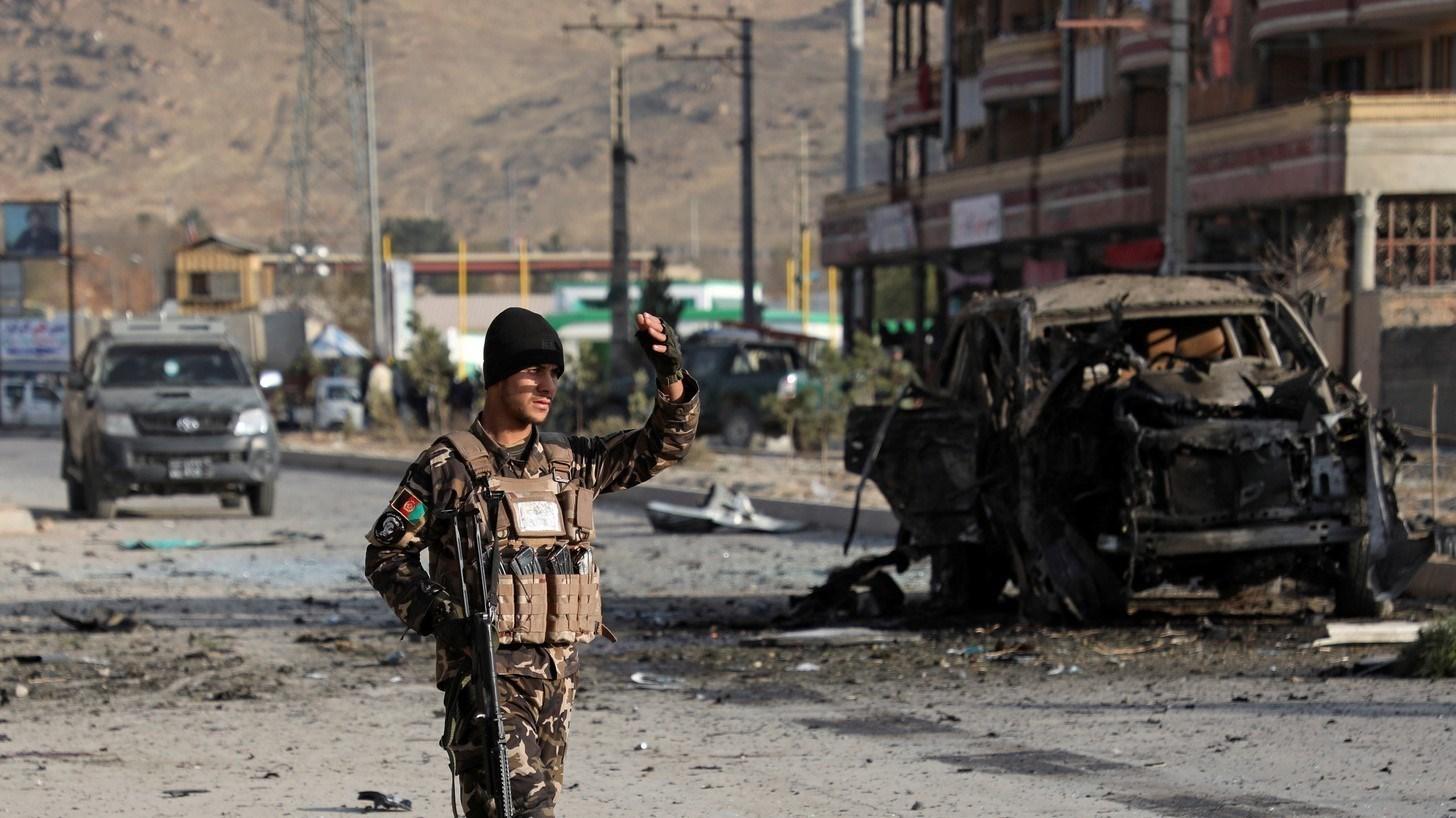 مقتل مسؤول أفغاني مع سائقه وحارسه بانفجار قنبلة مغناطيسية في الدائرة الثامنة بكابول (صورة أرشيفية)